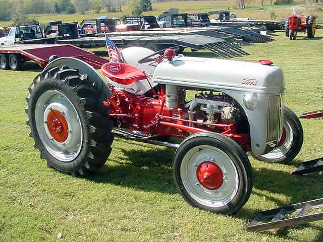 Restored Ford 9n : Tractor pics