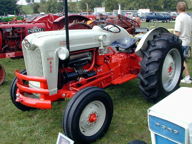 Ford 800 Tractor : Ford specification tractor